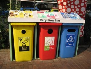 5 WAYS TO REDUCE OUR DAILY WASTE